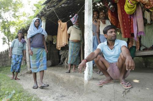 बिहार चुनाव: न मनरेगा, न गरीब कल्याण रोजगार योजना आई काम