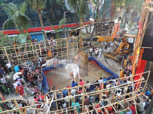 Wash and melt: Idol immersion in Bengal turns a green leaf