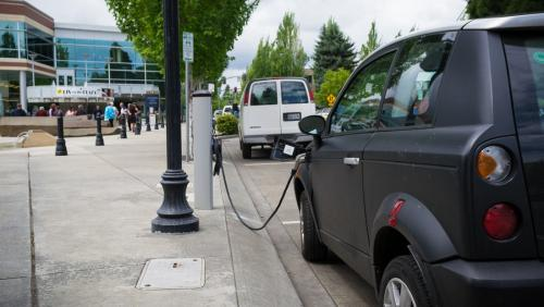 Charging points for electric vehicles in EU far below what is needed, says report