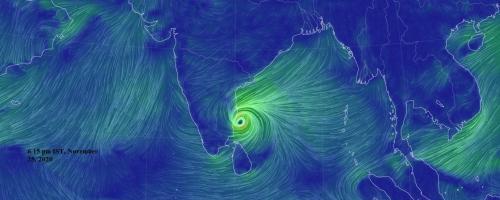 पुडुचेरी और तमिलनाडु के समुद्र तट पर टकराया चक्रवाती तूफान निवार