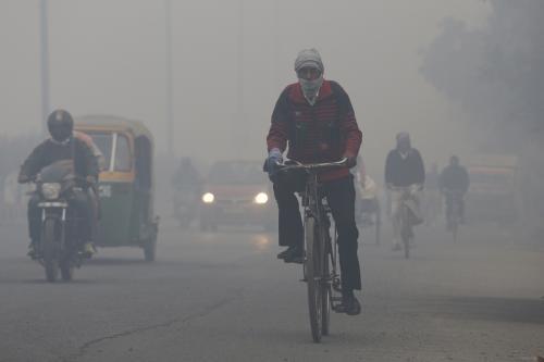 जाड़ों में वायु प्रदूषण और धुंध का दिख रहा है नया पैटर्न : सीएसई रिपोर्ट