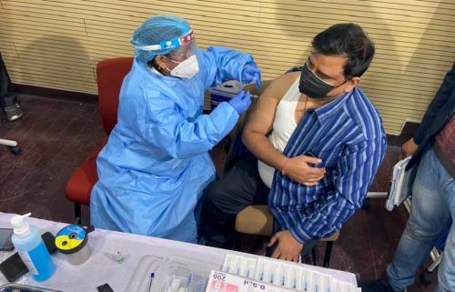 देश भर में शुरू हुआ कोविड-19 वैक्सीन लगाने का काम