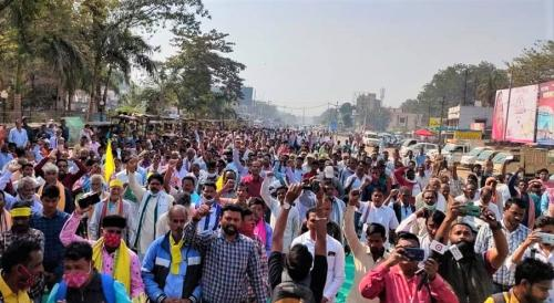 Farmers in Odisha protest Centre's agri laws