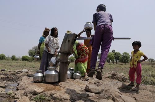 पेयजल और सफाई सुविधाओं तक लोगों की पहुंच बढ़ी, ग्रामीण-शहरी विषमता कायम: एनएफएचएस-5ं