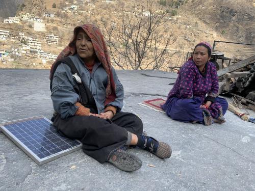 चमोली आपदा: चिपको आंदोलन की पीढ़ी बेबस होकर गांवों से करना चाहती है पलायन