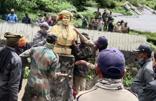 खतरे में गौरा का गांव, गौरा देवी की प्रतिमा भी हटाई