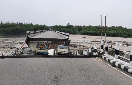 उत्तराखंड में तीन दिन में 400 फीसदी अधिक बारिश, भारी नुकसान
