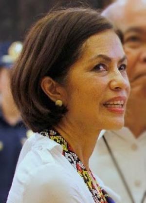 Philippine Environment Minister Regina Lopez (Credit: Wikimedia Commons)