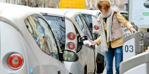 The electric vehicle boom is coming. What can we learn from early adopters?