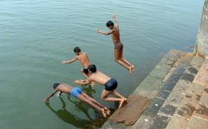 Summer agony in monsoon season: heat wave persists in several states