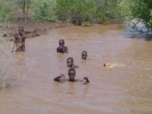 Flood situation in East Africa still remains grim