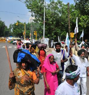 Jharkhand bandh: opposition protests against land acquisition amendments