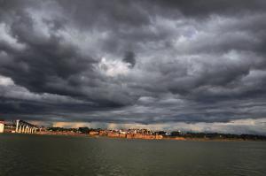 मौसम बदलने वाले बादल