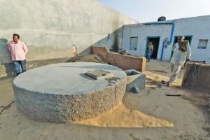 जल संकट का समाधान: बारिश की एक बूंद बेकार नहीं जाने देते ये गांव