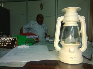 Solar lanterns to light up all polling booths in Odisha's Kendrapara
