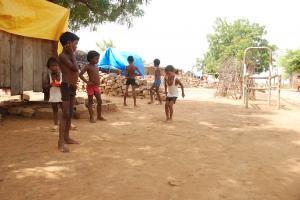 बांग्लादेश के 1.9 करोड़ बच्चों पर मंडराता जलवायु परिवर्तन का खतरा