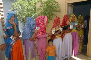 जनता की उम्मीदों पर खरी नहीं उतरी एनडीए सरकार : सर्वे
