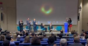 वैज्ञानिकों ने किया ब्लैक होल की पहली तस्वीर का अनावरण