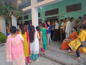 मतदान के प्रति उदासीन रहा उत्तराखंड का मतदाता