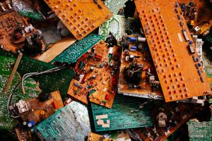Recycling of e-waste in India and its potential