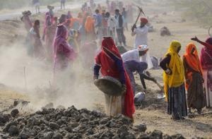 क्या 'मनरेगा' में है कोरोनावायरस से पैदा हुए ग्रामीण संकट का जवाब