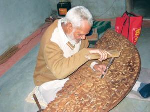 Regulations on shisham trade hit rosewood artisans