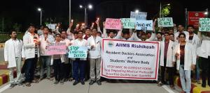 NMC Bill protestors divided: Resident doctors call off strike, IMA calls for another
