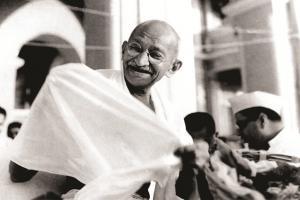 हिंदू, मुस्लिम और दलितों के अलग-अलग चूल्हे देख बापू को आ गया था गुस्सा