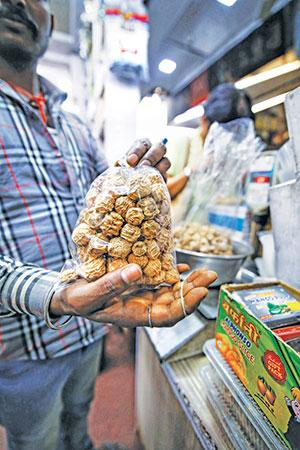 Dried kachri, which adds a tangy taste to Rajasthani cuisine, has a growing market across India