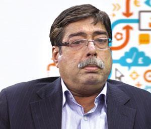 लेखक जवाहरलाल नेहरू विश्वविद्यालय में अर्थशास्त्र के प्रोफेसर हैं