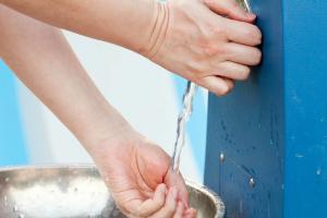 कोरोना महामारी : ज्यादा हाथ धोने से भारत में पैदा हो सकता है जलसंकट