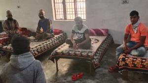 नेपाल में परिवार तक कमाई के पैसे और राशन भिजवा सकेंगे भारतीय कैंपों में ठहरे 1100 मजदूर