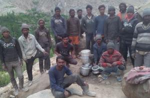 लद्दाख में फंसे हैं 150 से ज्यादा पहाड़िया और संताली आदिवासी
