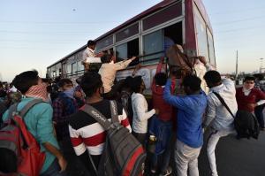 प्रवासी मजदूर: रोजगार एवं उत्पादन का भविष्य