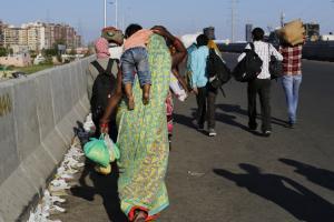 95% migrants want to return home despite uncertainty: Survey