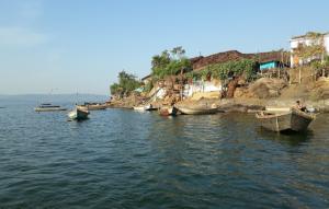 दो लाख मछुआरों के सामने रोजी-रोटी का संकट