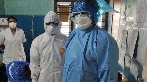 डाक्टरों व स्वास्थ्य कर्मियों को संक्रमण से बचाएगा यह बैग, 100 रुपए है कीमत