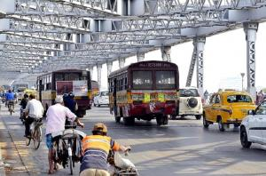 Kolkata rolls out CNG buses