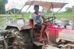 रीढ़विहीन कृषि शिक्षा -4: वैज्ञानिकों पर पैसा जुटाने का दबाव