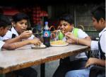 फास्ट फूड कंपनियां मुनाफे में और दांव पर मोटापे से जूझते बच्चों की जिंदगी