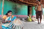 लॉकडाउन का असर: न महुआ और न बांस की टोकरी बेच पा रहे हैं कमार जनजाति के लोग