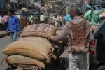मजदूरों के लिए युद्ध और संघर्ष से ज्यादा बड़ा खतरा हैं जलवायु से जुड़ी आपदाएं