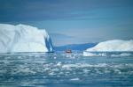बढ़ते तापमान के कारण सिकुड़ रही है ग्रीनलैंड की बर्फ की चादर