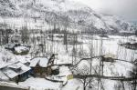 'Climate crisis a universal reality': Heaviest snowfall since 2005 halts life in J&K