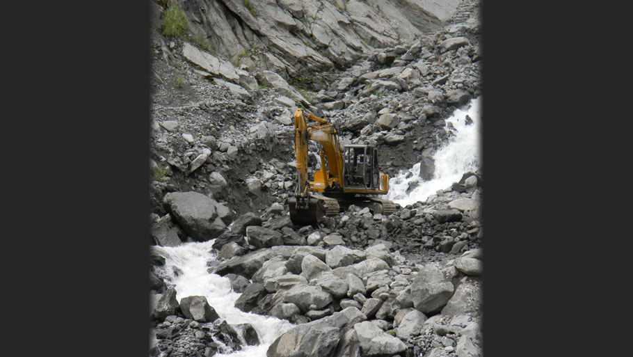 Broken roads and houses in Dharchula  Photographs by: Soma Basu Read more: Uttarakhand floods: is the disaster human-induced?