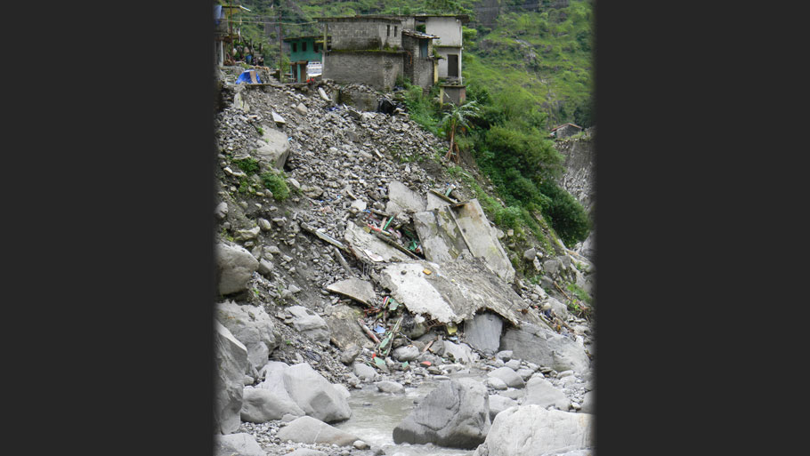 Camp by Red Cross in Gothi  Photographs by: Soma Basu Read more: Uttarakhand floods: is the disaster human-induced?