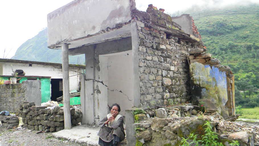 Five houses caved in near a culvert on Tawaghat-Dharchula road.  Photographs by: Soma Basu Read more: Uttarakhand floods: is the disaster human-induced?