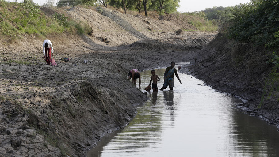 With no guarantee of a normal monsoon and erratic water supply from dams, farmers have installed pumps to bring water from surface and groundwater sources. This has resulted in the depletion of the water table in the parched region