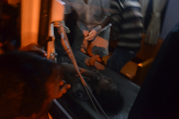 Photograph by: Akshay DeshmaneRead Story : Ten dead, six injured in Mumbai building collapse