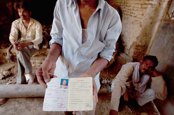 Harnarayan Chaurasiya's six-year-old son has not spoken a word since his father passed awayRead full story:   Death on mounds of a bumper cropPhotograph by: Sayantoni Palchoudhuri